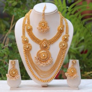 antique-white-kundan-haram